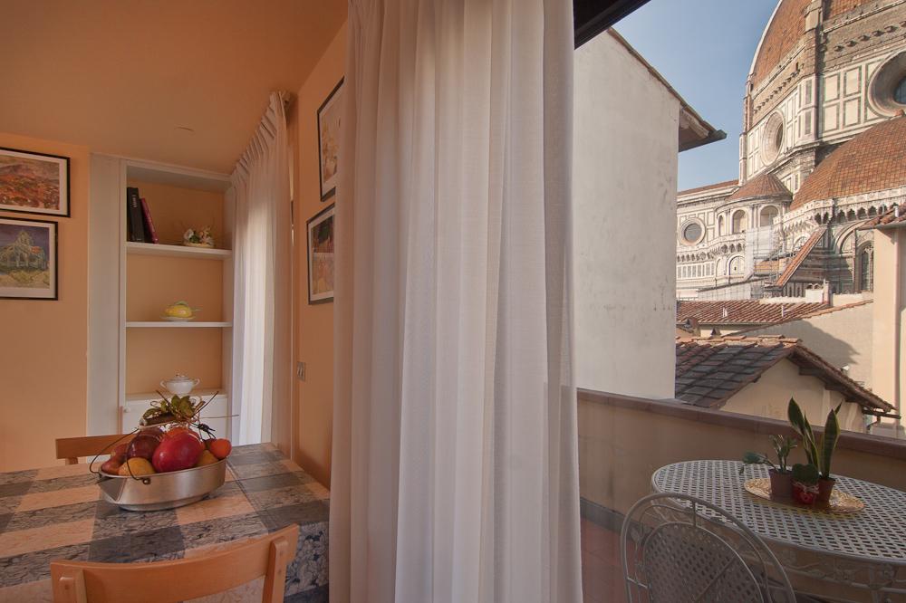 Appartamento al duomo al duomo apartment florence for Costruttori di appartamenti garage