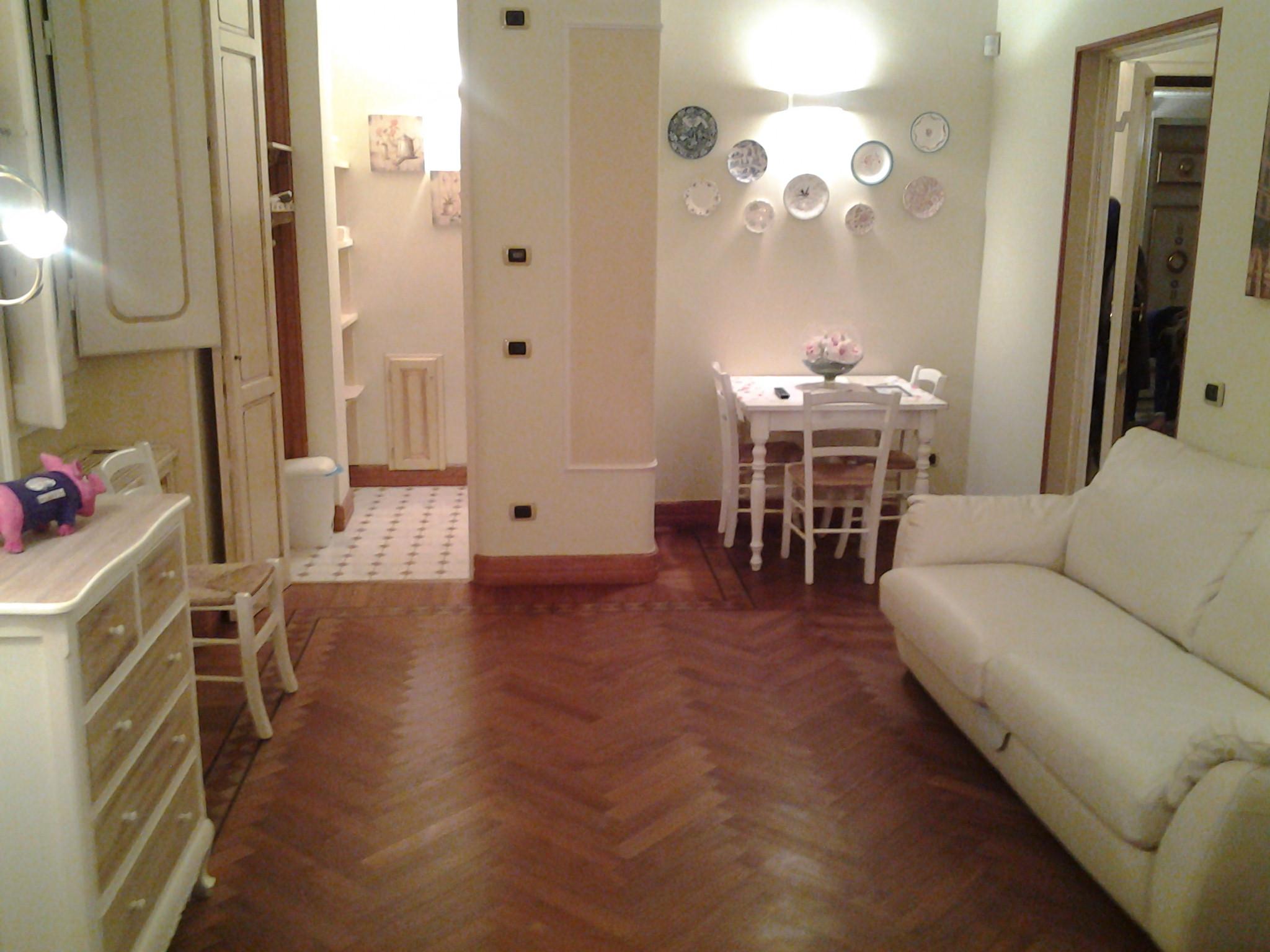 Appartamenti nel centro di firenze viola06 al duomo for Appartamenti al centro di barcellona